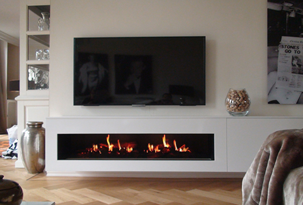 The Unique And Patent Protected Design Combines Ultra Realistic Flickering Flames With Three Dimensional Led Logs That Sporadically Spark Le
